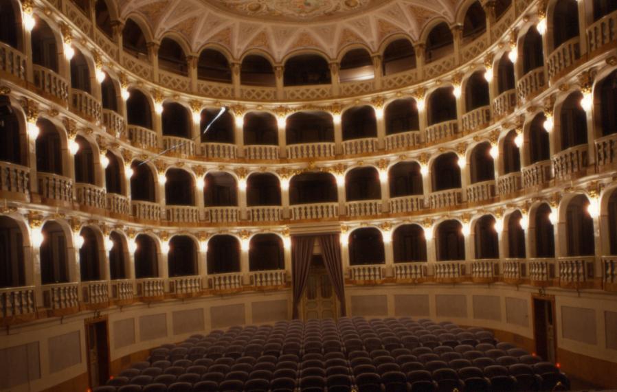 e_-teatro-lauro-rossi2
