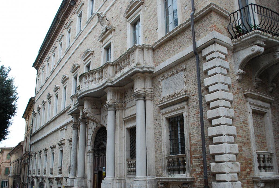palazzo-compagnoni-marefoschi