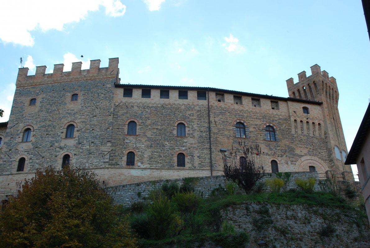 caldarola-castello-1