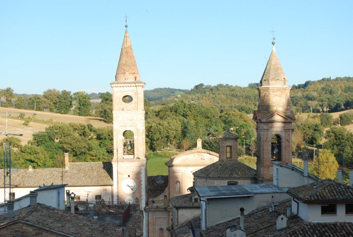 caldarola-piazza-dal-castello