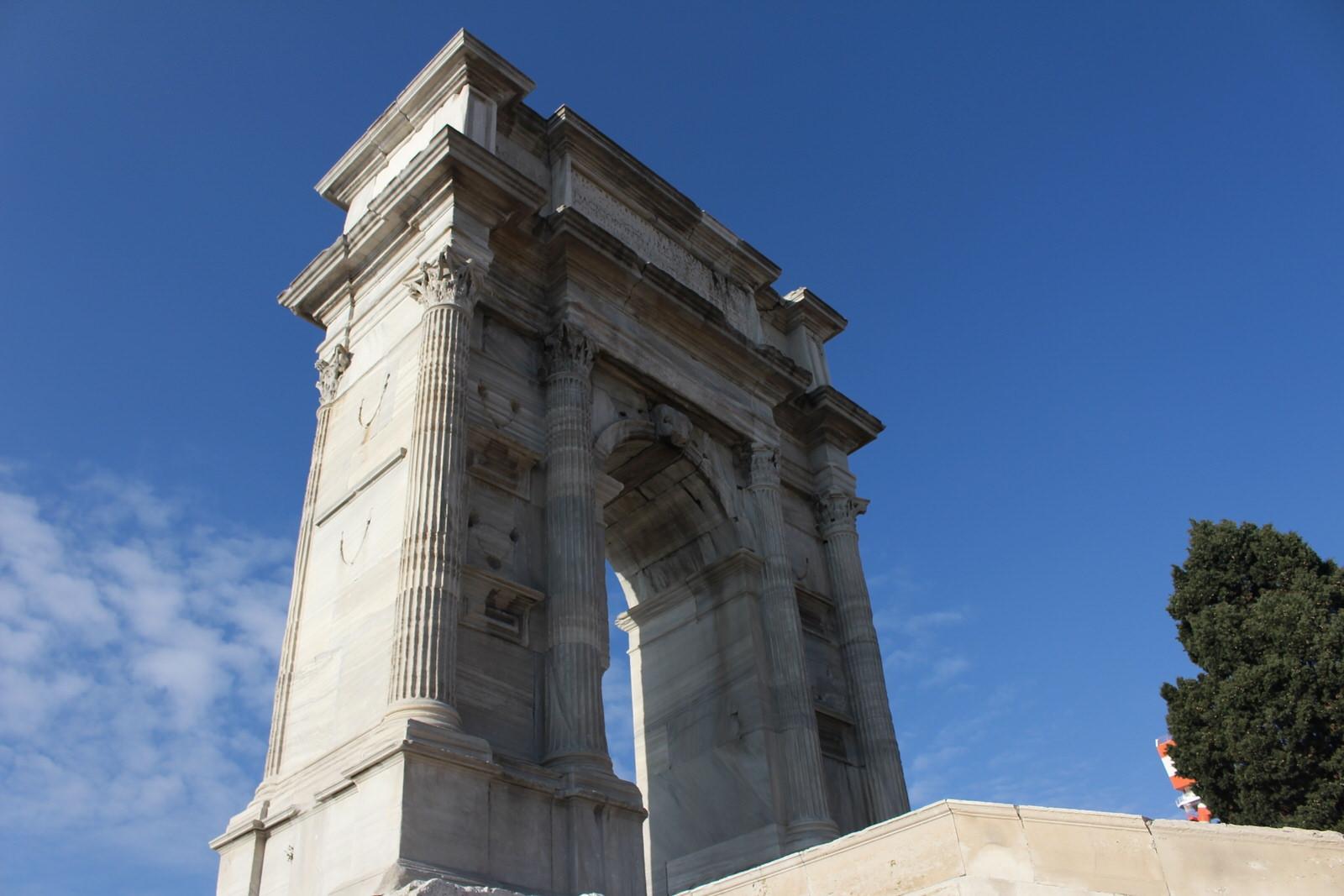 Ancona arco di Traiano 3