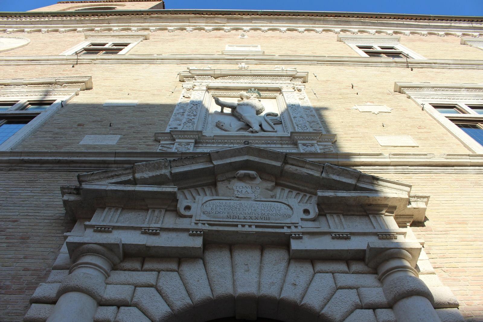 Jesi_Part._Palazzo_della_Signoria