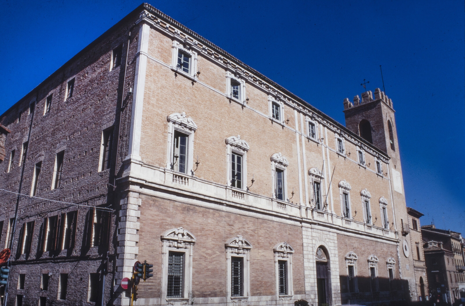 Osimo_Palazzo_comunale
