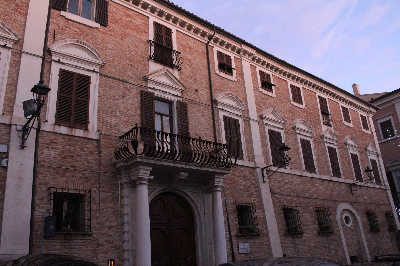 Osimo_Piazza_Campana