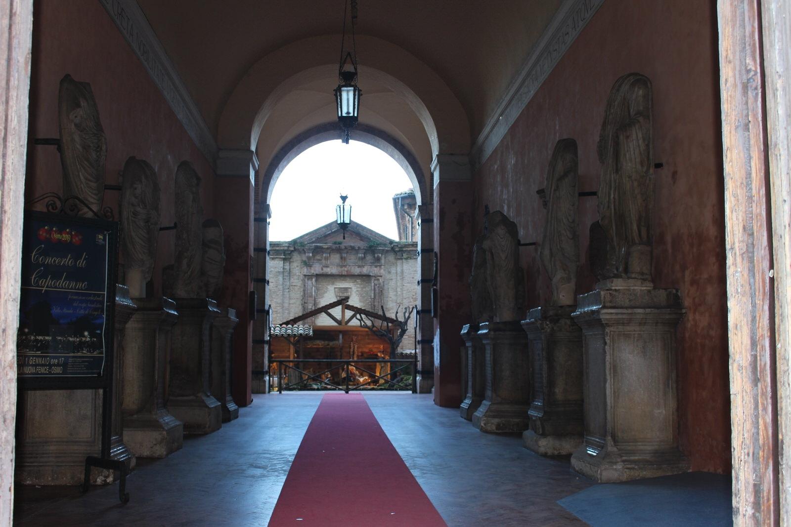 Osimo_Statue_romane_atrio_comune