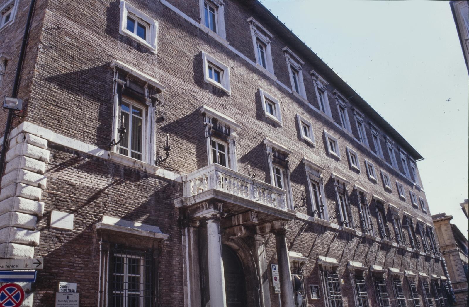 Osimo_palazzo_Gallo