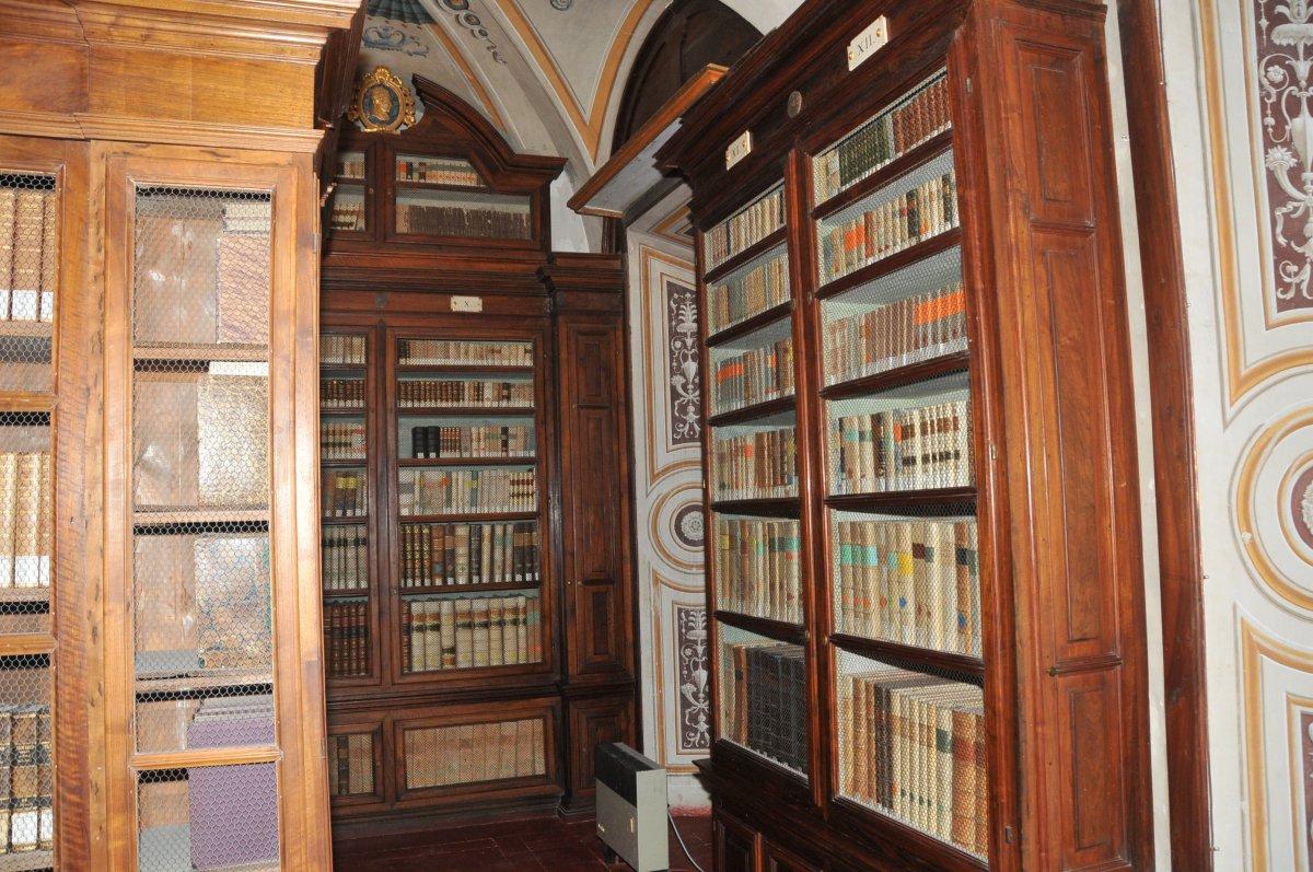 a_biblioteca-mozzi-borgetti-sale-antiche