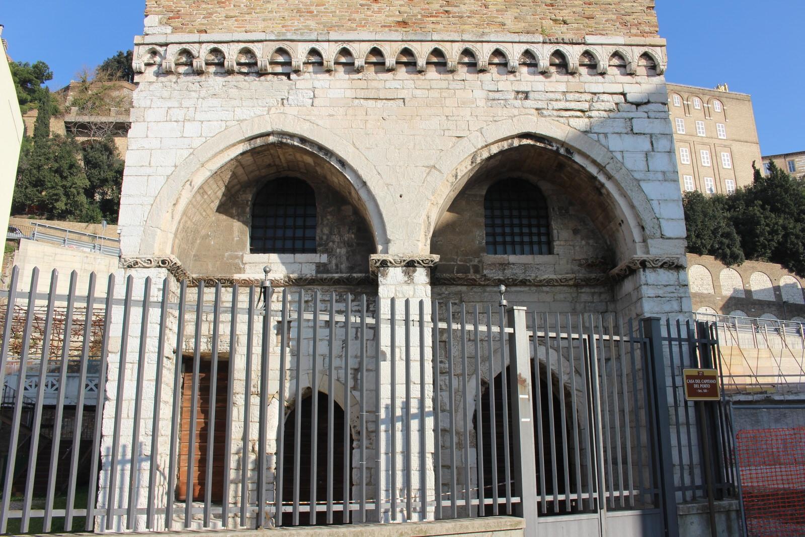 Ancona_casa_del_capitano_del_mare