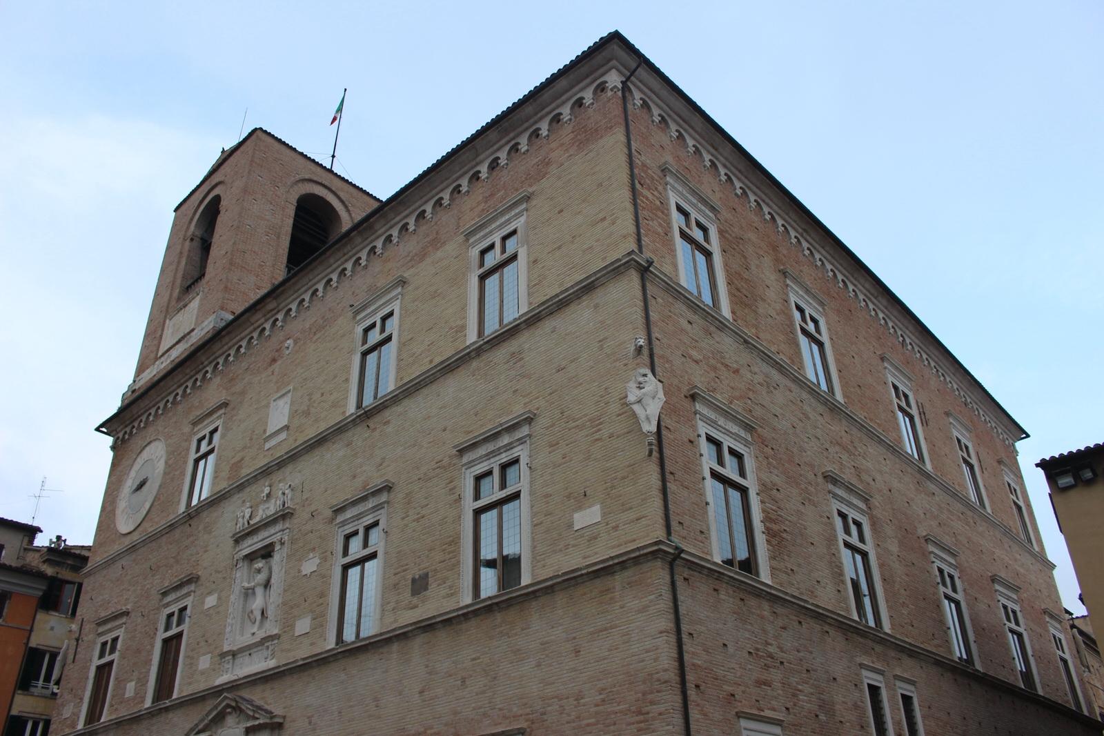 Jesi_Palazzo_della_Signoria