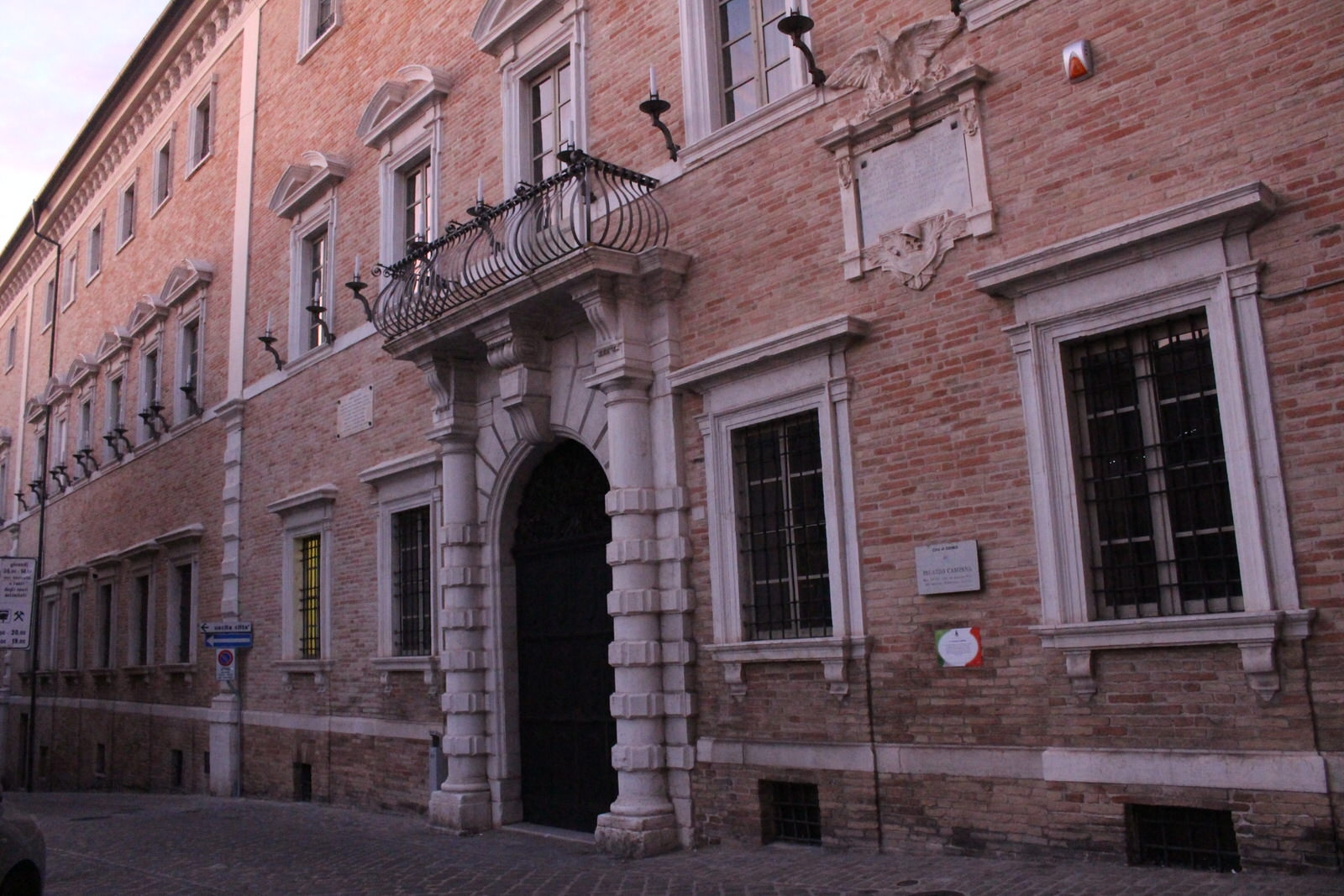 Osimo_Palazzo_Campana