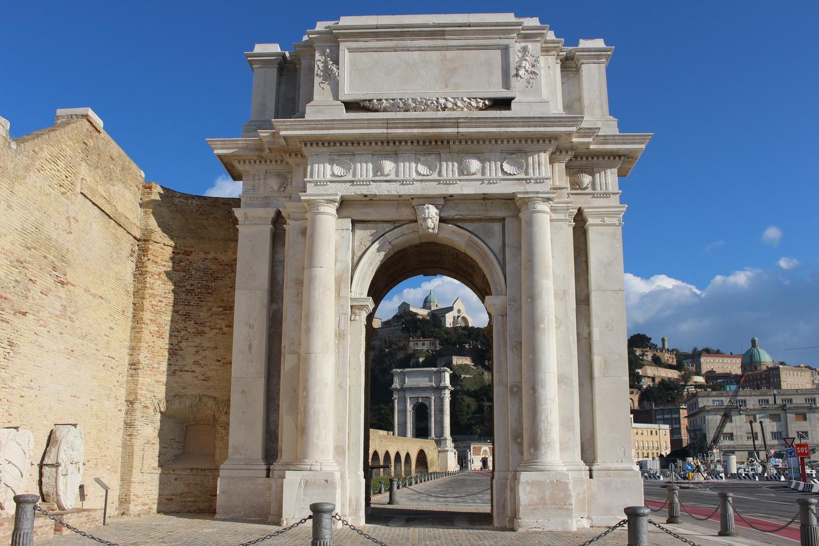 Ancona_arco_Clementino