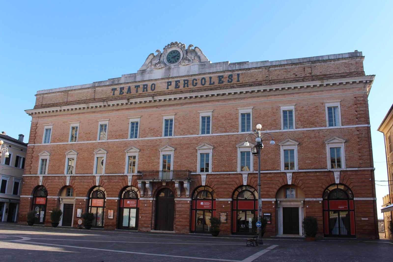 Jesi_Teatro_Pergolesi_Est